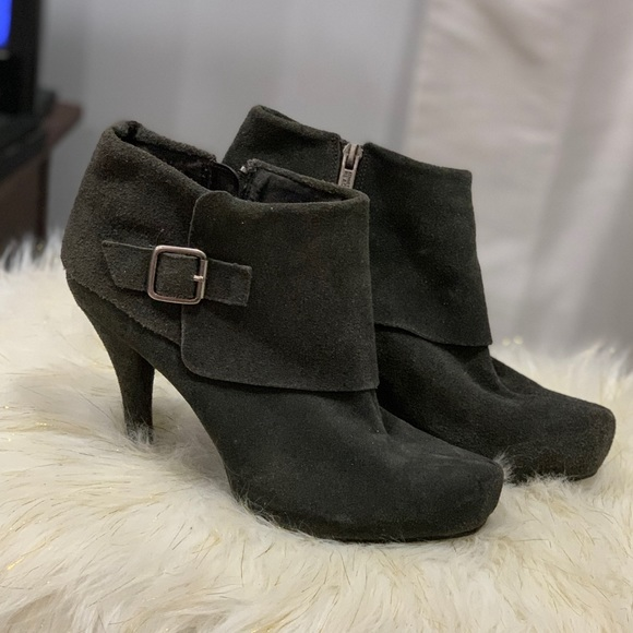 Kenneth Cole Reaction green leather boots